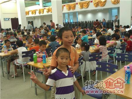 图:广州天河围棋附近学公园午休东方新世界8图小学生强奸图片