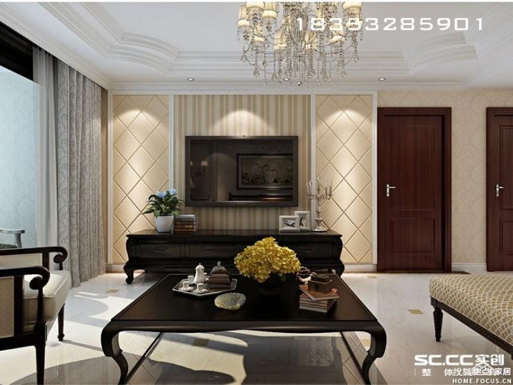 白色为主基调,搭配欧式的餐桌椅以及嵌入式酒柜,低调中带着华丽.