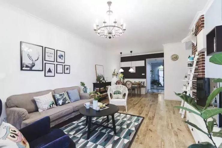 南京鹤立装修:简单刷白沙发墙,看起来也好漂亮!