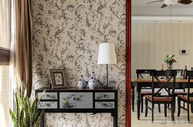 书房是浅蓝色的色调,搭配原木质的家具,书香味正浓 项目位置:许昌