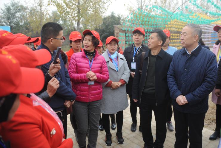 """新型职业女农民培育,让土地成为农民""""聚宝盆"""""""