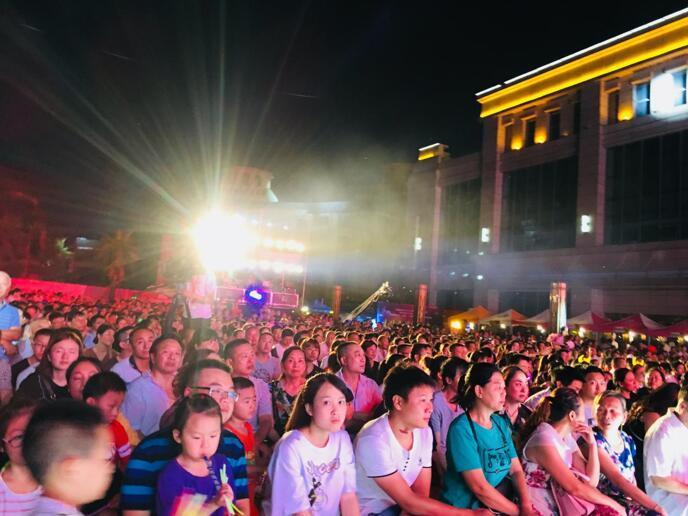 第二届恩阳锦江饭店宴会品鉴暨美食嘉年华8090群星演唱会