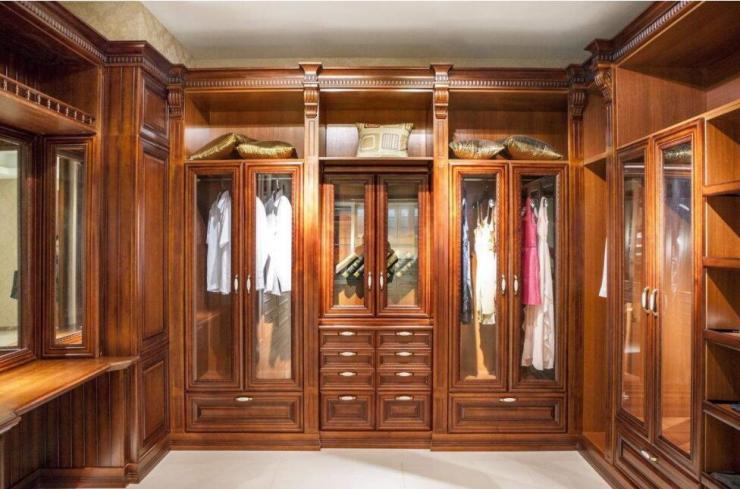 看完卧室整体衣柜选购技巧,轻轻松松装修