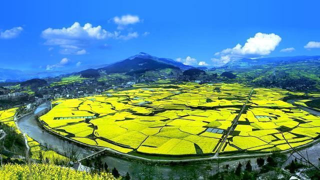 把爽爽贵阳的美丽颜值转化为绿色发展的产值