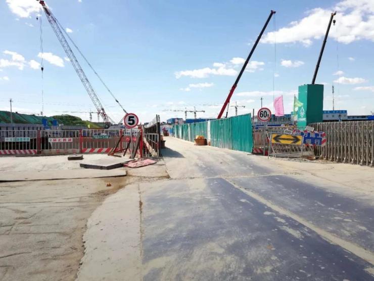 新机场最新进展!廊坊至新机场轨道交通预留线土建工程封顶