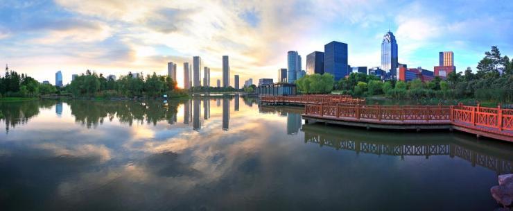 《一座城市,一席湖境》居山水间者为上,村居次之,郊居又次之