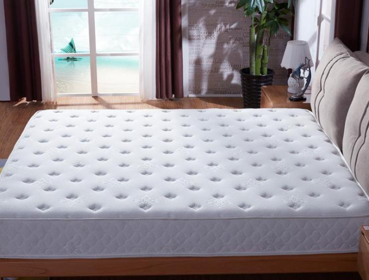 新床垫上的塑料膜用撕掉么?专家称:迅速撕掉,否则甲醛超标