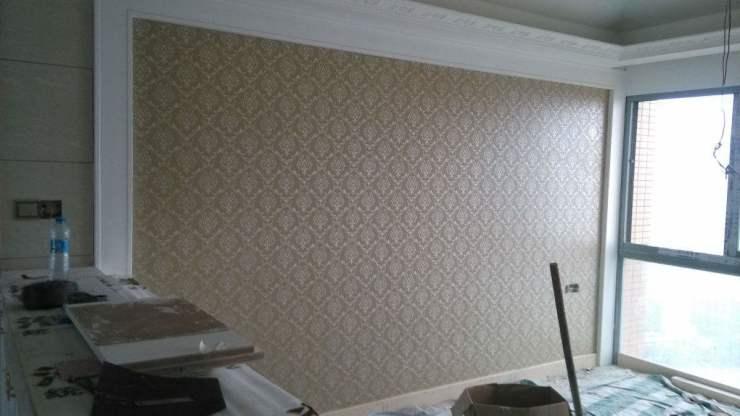 装饰墙面是先贴石膏线还是