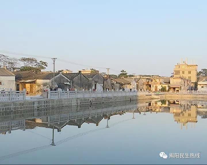 仙桥山前:改善农村环境 建设舒心社区
