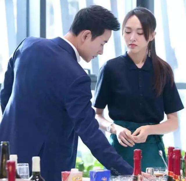 罗晋自曝与唐嫣在北京上海准备婚房 双方父母满意