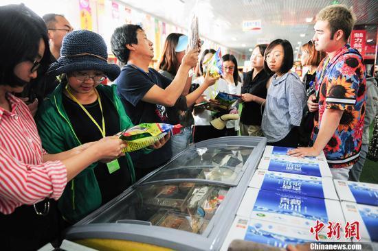 电商进村助力中国乡村振兴 农村电商发展呈现新趋势