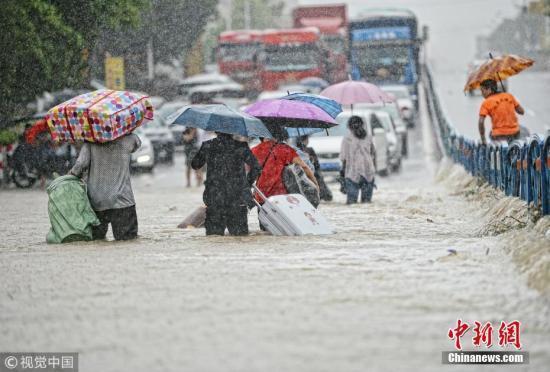 强降雨致福建广东广西71.8万人受灾 经济损失4.5亿