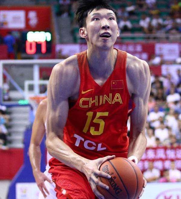 中国男篮亚运首战险胜菲律宾,场边的姚明终于能松口气了