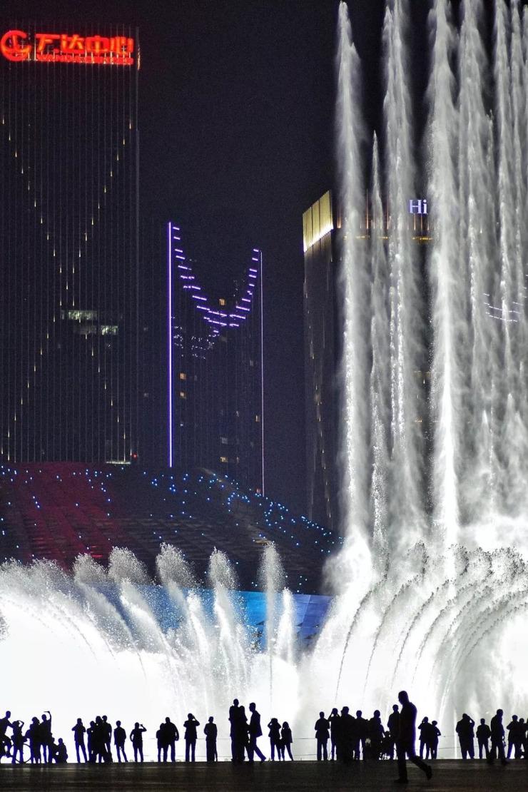看喷泉有车位了!东港要建大型立体停车场,车位扩3倍